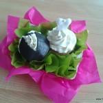 bruidspaar cupcakes bruid bruidegom botercreme frosting cadeau