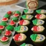 desserttafel kerst cupcakes sneeuwman kerstman kerstmuts kerstboom