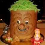 themataart versierde taart sprookjesboomtaart met roodkapje en boze wolf rolfondant en botercreme