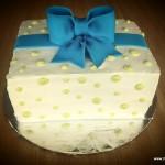 cadeau met strik taart frosting