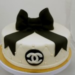 chanel taart zwart wit