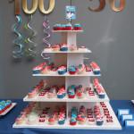Bert en els eeuwfeest blauw rood wit desserttafel cupcakes cupcaketoren 50 jaar